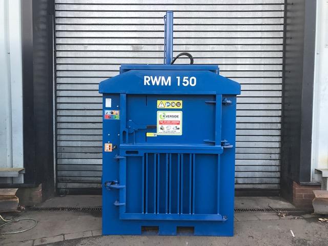 Refurbished mid-range waste baler – great condition!