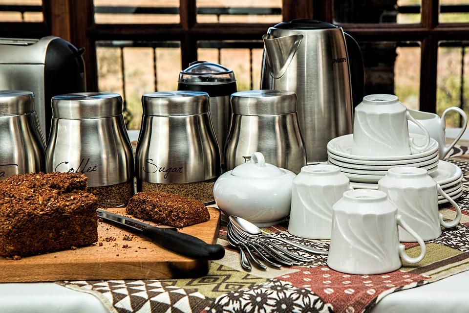 Tea room chain enlists help from Riverside
